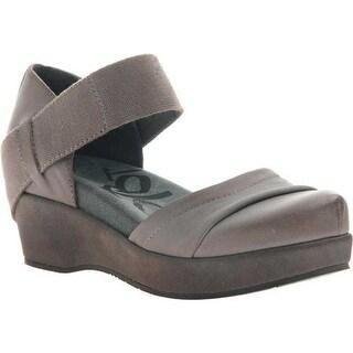 OTBT Women's Wander Out Closed Toe Sandal Zinc Leather