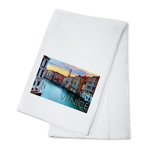 Venice, Italy - Canal View - Lantern Press Photography (100% Cotton Towel Absorbent)