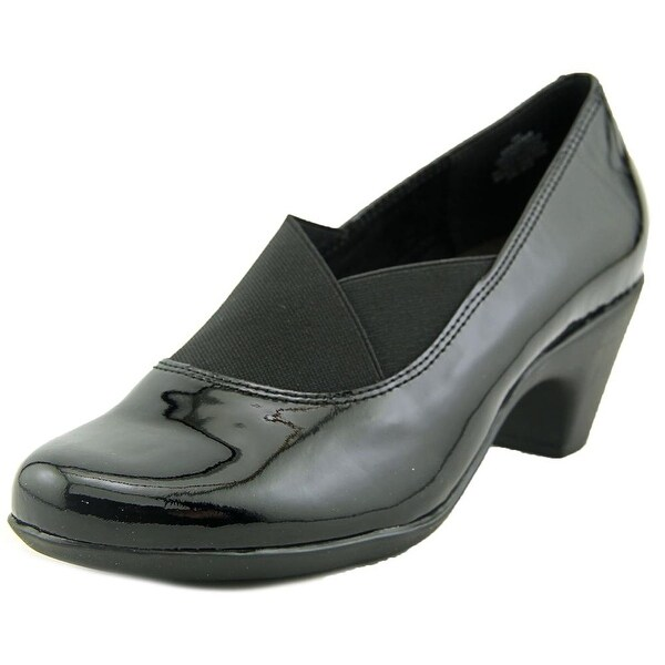 Easy Spirit Catava Round Toe Patent Leather Loafer
