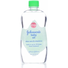 JOHNSON'S Aloe Vera & Vitamin E Baby Oil 20 oz