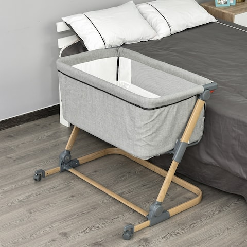 Qaba Bassinet Baby Folding and Adjustable Baby Crib for 0-5 Months with Easy Moving Wheels & 5 Height Levels