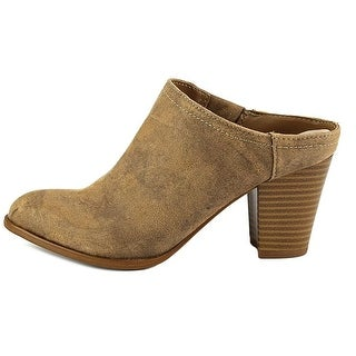 Fergalicious Womens Colleen Closed Toe Mules, Saddle, Size 6.0