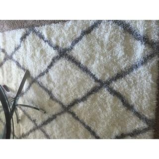 nuLoom Moroccan-style Berber Trellis Shag Rug (5'3 x 7'6)
