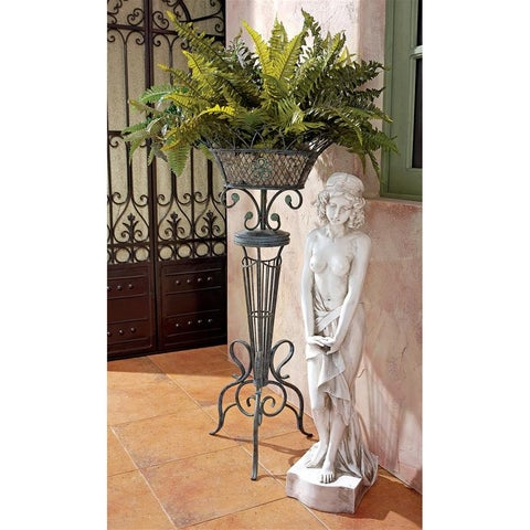 Design Toscano Victorian Basketweave Metal Fern Planter