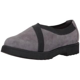 CLARKS Women's Bellevue Cedar Slip-On Loafer
