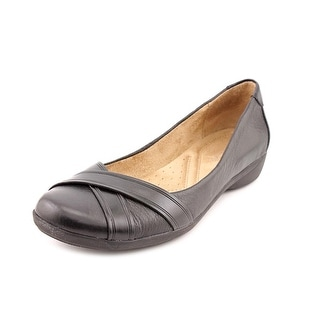 Naturalizer Nariko   Round Toe Leather  Flats