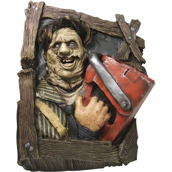 Texas Chainsaw Leatherface Wallbreaker Wall Statue