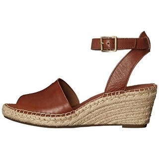 Buy Low Heel Ankle Strap Clarks Women S Sandals Online At