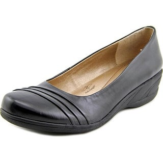 Soft Style by Hush Puppies Easy To Pleats Women W Round Toe Leather Black Loafer