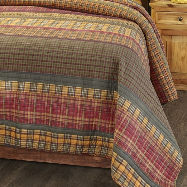 Gold Rush Oversized Plaid Bed Top Quilt with Reversible Back Queen. Opens flyout.