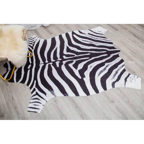 Rio Collection Black/White Faux Zebra Hide Printed Rug - 5'0'' X 6'6''
