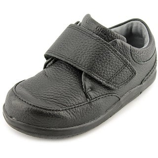 Stride Rite SRT Ross Round Toe Leather Loafer