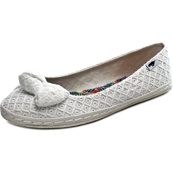 Rocket Dog Whisk Women Round Toe Canvas White Flats