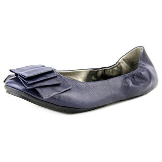 Me Too Lilyana 4 Round Toe Leather Flats