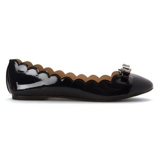 Wanted Shoes Womens OLIVIA Closed Toe Ballet Flats