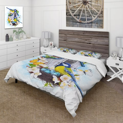 Designart 'Two Chickadee Birds Sitting Near The Nest With Eggs I' Traditional Duvet Cover Set