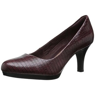 Clarks Womens Tempt Appeal Leather Embossed Pumps