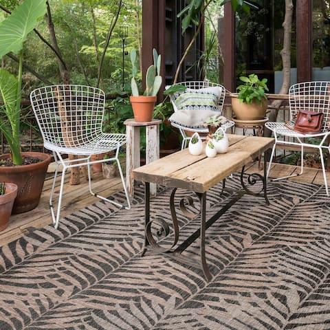 Alexander Home Havannah Palms Indoor/Outdoor Area Rug