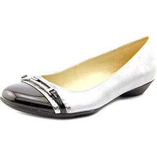 Naturalizer Helina Women W Round Toe Synthetic Flats