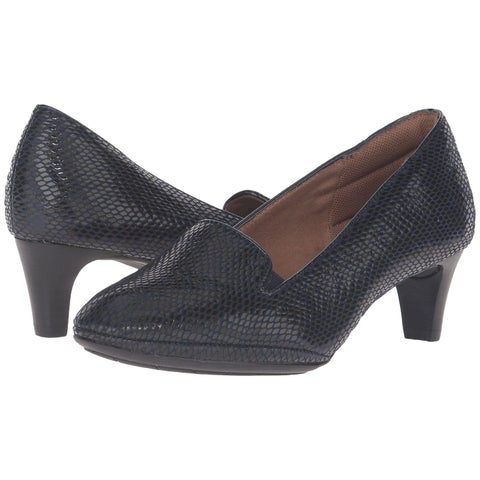 Comfortiva Womens tilly Closed Toe Classic Pumps
