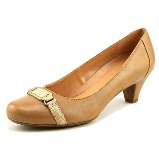 Naturalizer Stella Round Toe Leather Heels