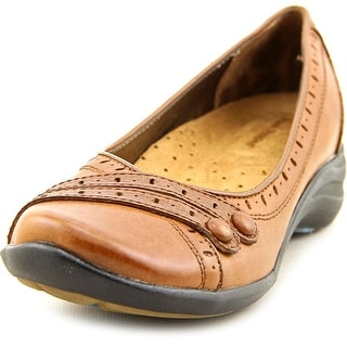 Hush Puppies Burlesque WW Round Toe Leather Flats