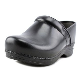 Dansko Pro XP Cabrio W Round Toe Leather Clogs