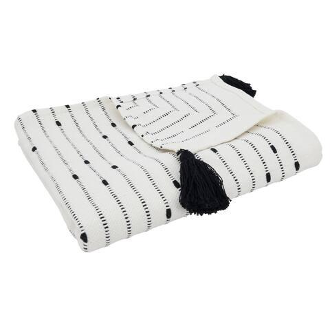 Striped Throw With Tassel Design