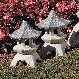 Design Toscano Pagoda Lantern Sculpture: Set of Two Medium