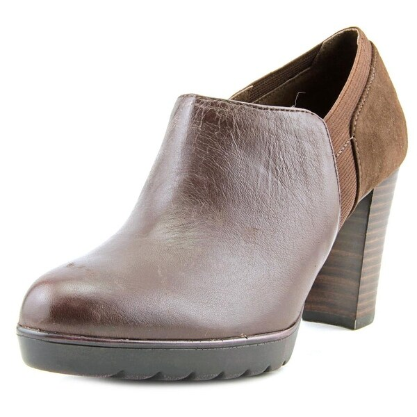 Bella Vita Zofia WW Round Toe Leather Bootie