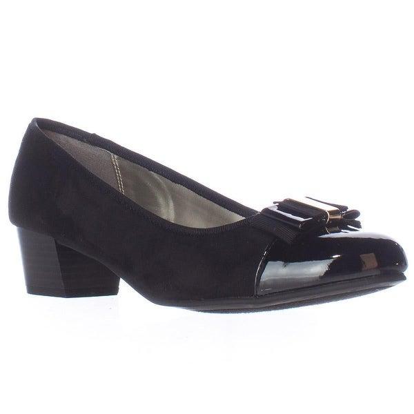 KS35 Darragh Bow Toe Kitten Pumps, Black
