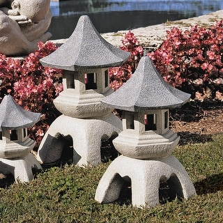Design Toscano Pagoda Lantern Sculpture: Set of Two Large