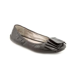 Me Too Lilyana 4 Women Round Toe Leather Black Flats