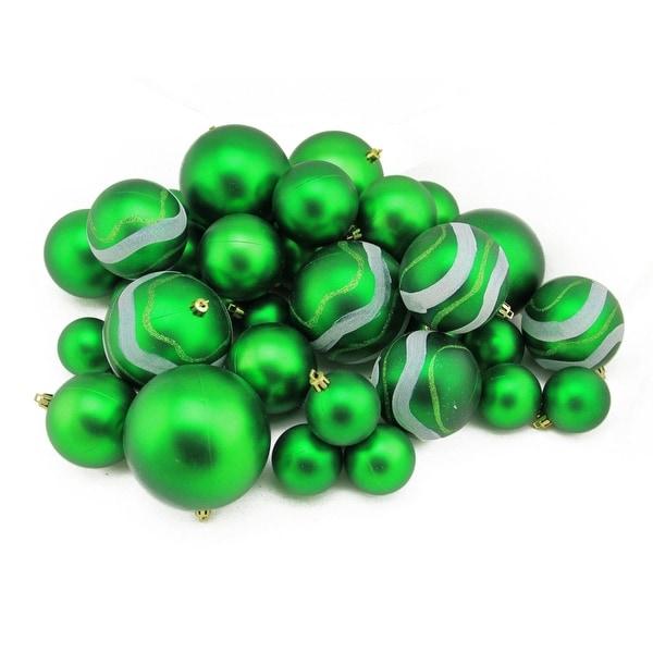 "39ct Green Matte and Glitter Shatterproof Christmas Ball Ornaments - 2""-4"""