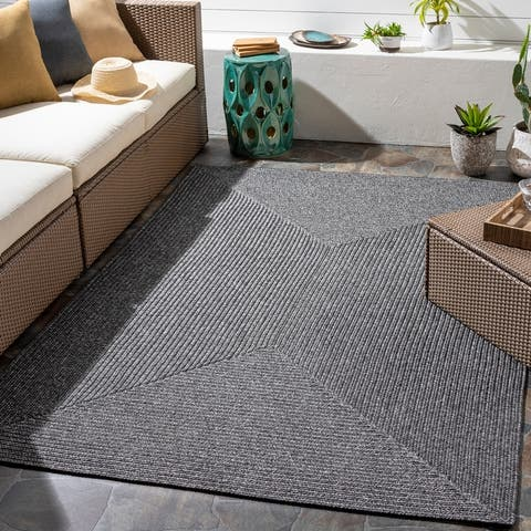 Sharrah Indoor/ Outdoor Solid Braided Area Rug
