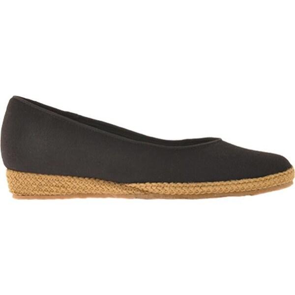 Shop Beacon Shoes Women's Phoenix Black