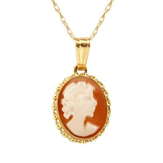 Shell Cameo Pendant in 14K Gold