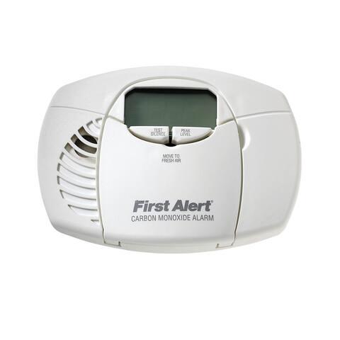 First Alert 1039727/CO410 Electrochemical Carbon Monoxide Detector, 9 Volts, White