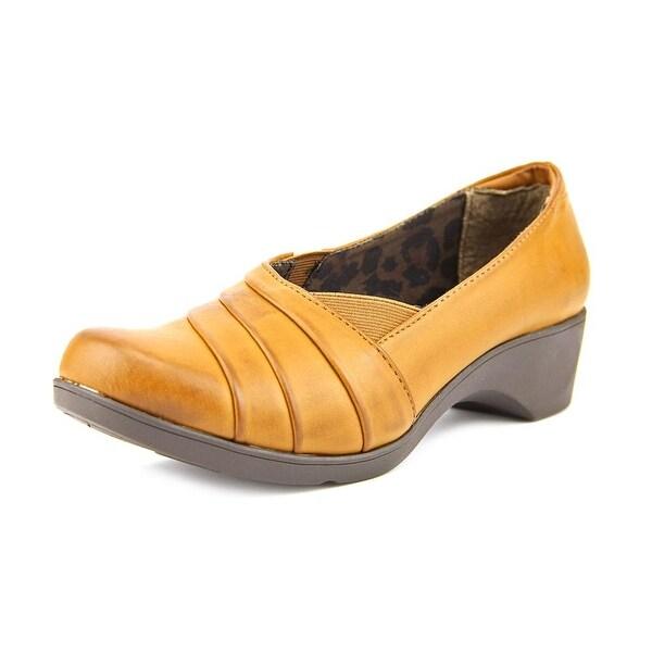 Soft Style by Hush Puppies Kambra Women Tan Flats