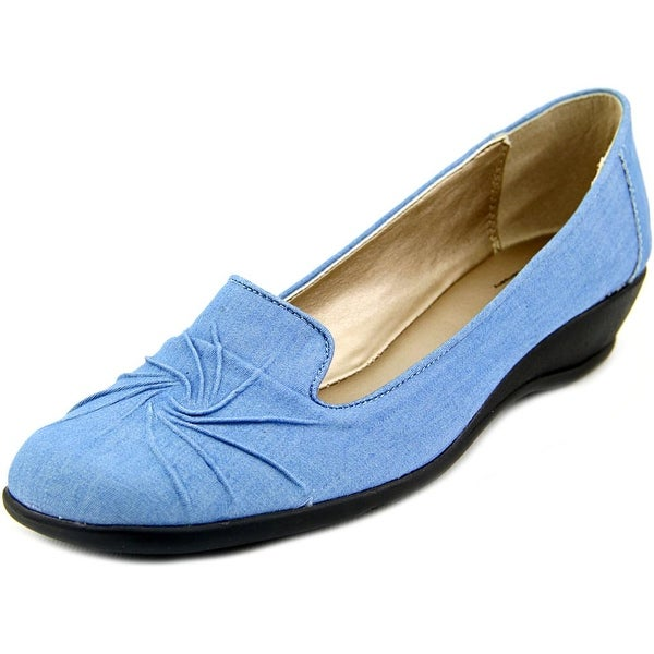 Soft Style by Hush Puppies Rogan Women Lt Blue Chambray Flats