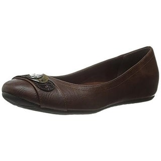 Easy Street Womens Charlotte Faux Leather Slip On Round-Toe Shoes