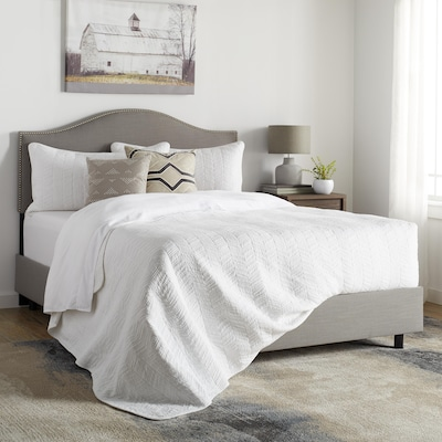 extra 25% off,Select Bedroom Furniture*