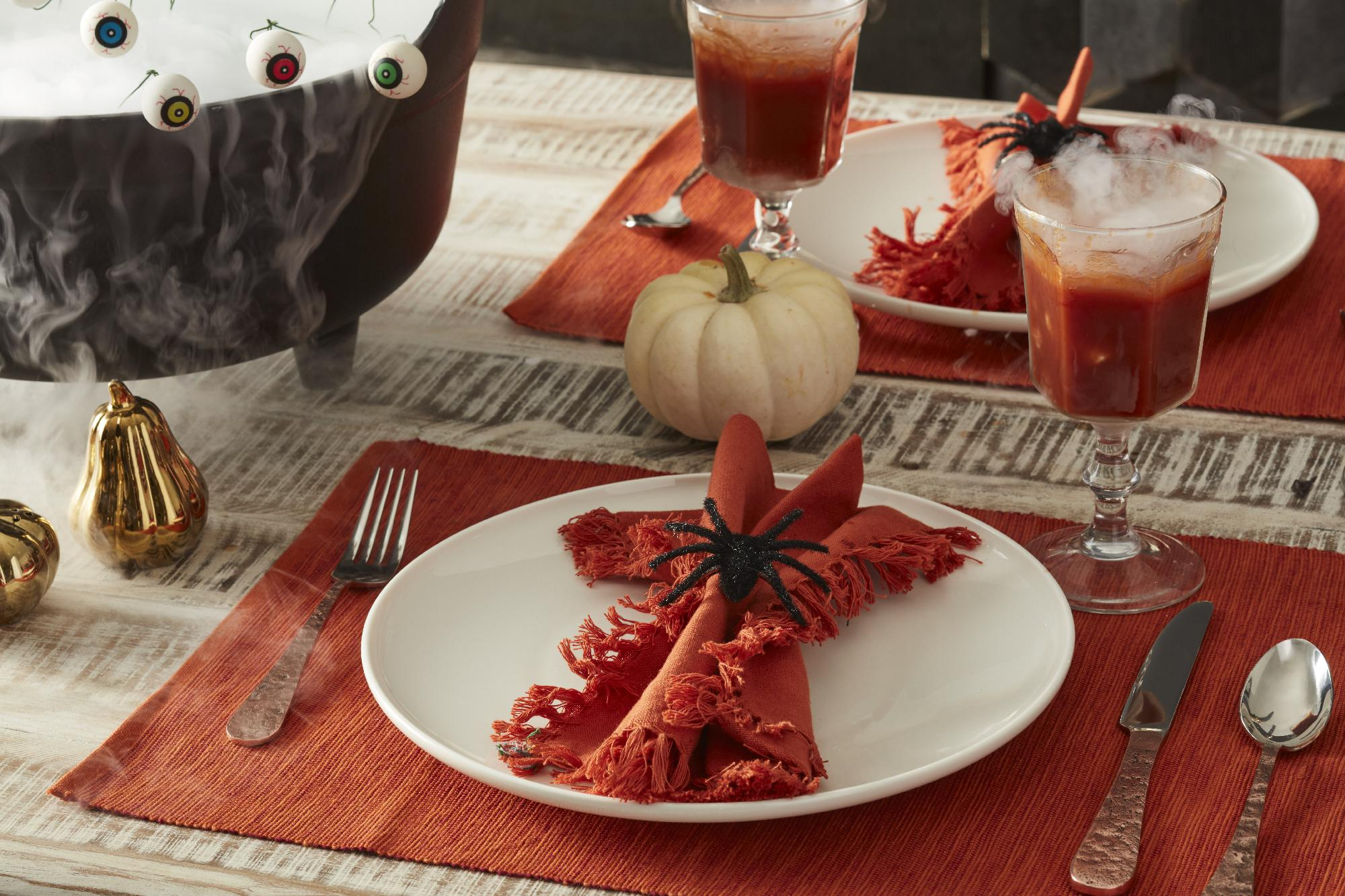 10 Stylish Fall Tablescapes