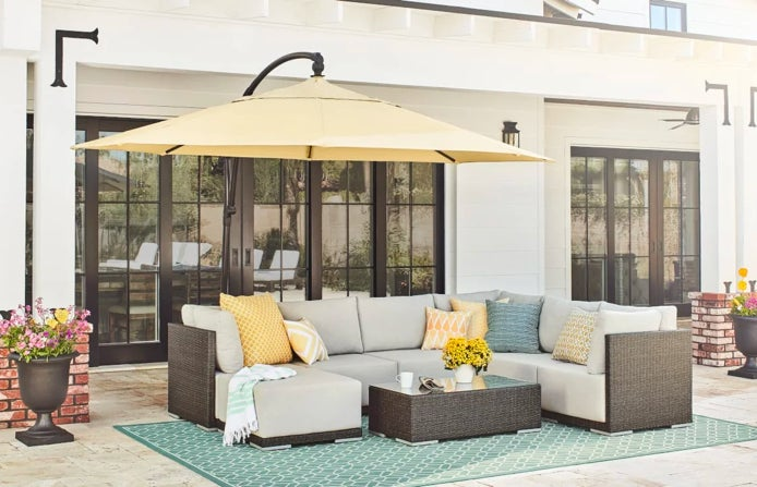 Patio Decorating Ideas for Simple Styling