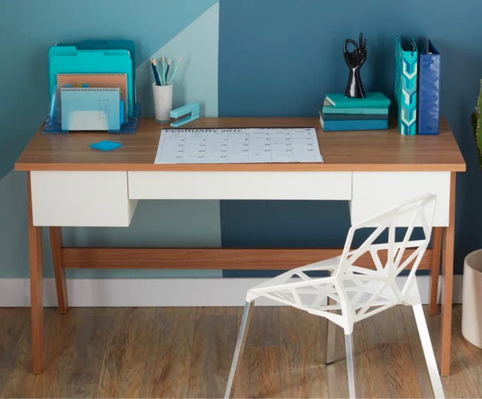 Best Office Furniture For Small Es