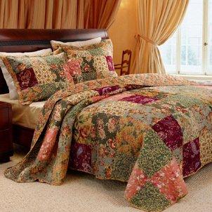 Queen size floral quilt bedspread