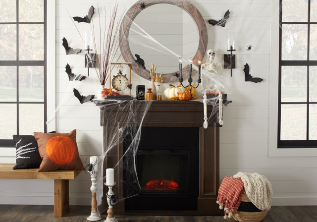 halloween themed mantel