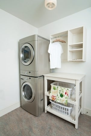 How to buy a washer and dryer - Laundry room for small spaces ...