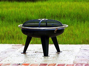 Stubby outdoor firepit