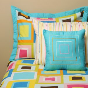 Colorful toddler bedding